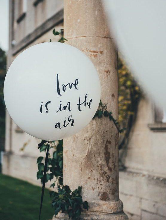 thème mariage blanc ballon