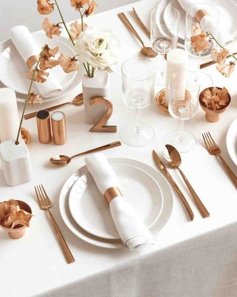 Thème mariage blanc table bronze